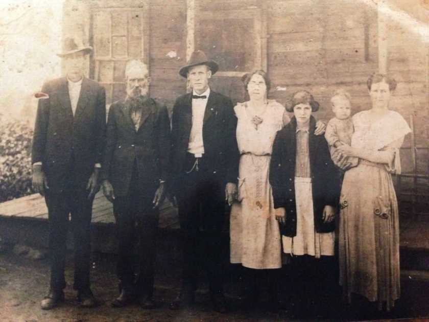 Photo circa 1915. L-R: Bob Medford, Logan Medford, Edgar Medford, Daisy Medford, Emma Lee Beheler, Sudie Mae Medford Beheler holding Glen Roy Beheler. ksisk94 originally shared this on 25 Dec 2013 on Ancestry.com.